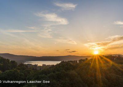 Laacher See mit Kloster Maria Laach